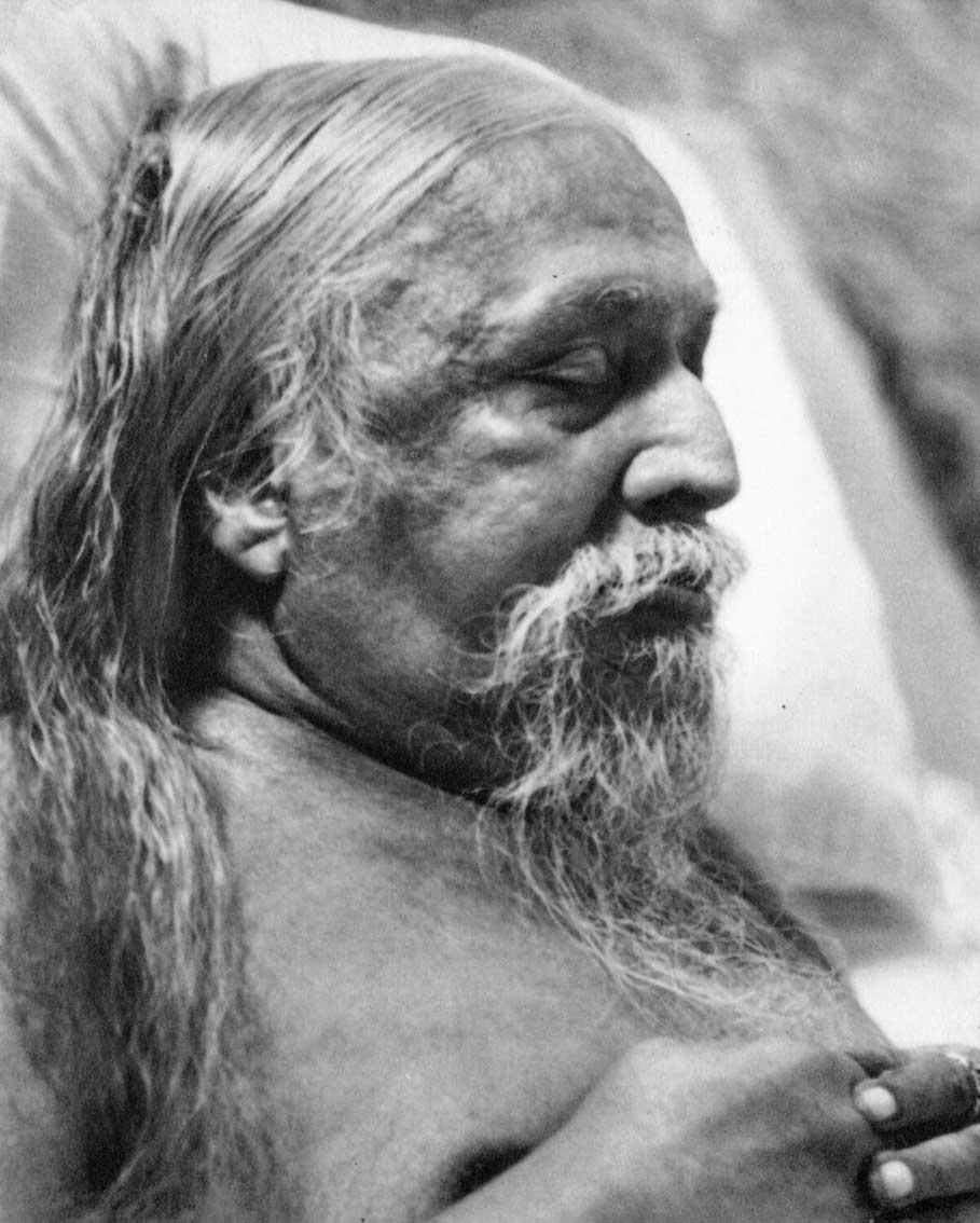 sri-mahasamadhi-1950_g