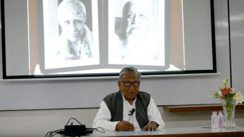 Manoj Das at AU