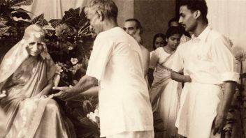 mother-with-sudhir-sarkar-1-nov-1954 crop cc1